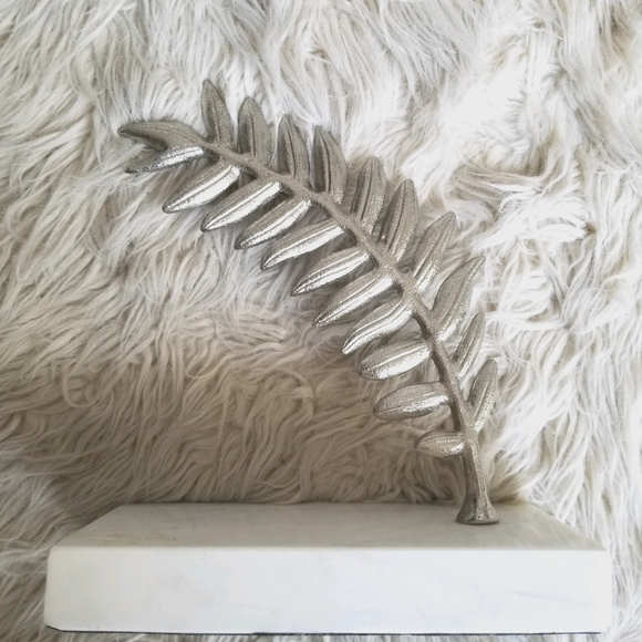 Silver Leaf and Marble Home Accent Piece